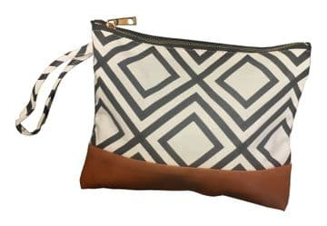 HIGH QUALITY CANVAS CLUTCH BAG with ZIPPER and wrist HANDLE shopping party